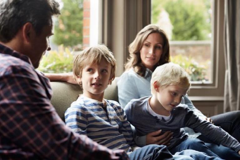 Πώς να μιλήσουμε στα παιδιά μας για την πανδημία από τον κορωνοϊό
