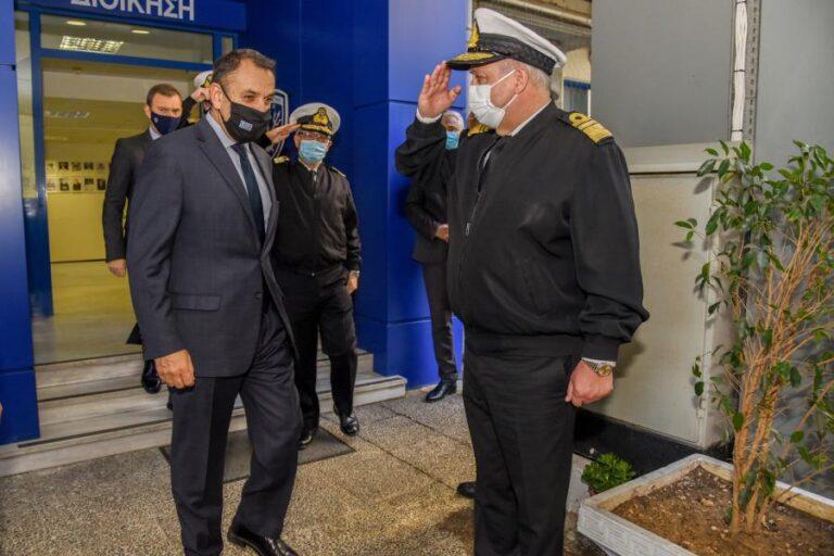 Επίσκεψη ΥΕΘΑ Νικόλαου Παναγιωτόπουλου στα Στρατιωτικά Νοσοκομεία